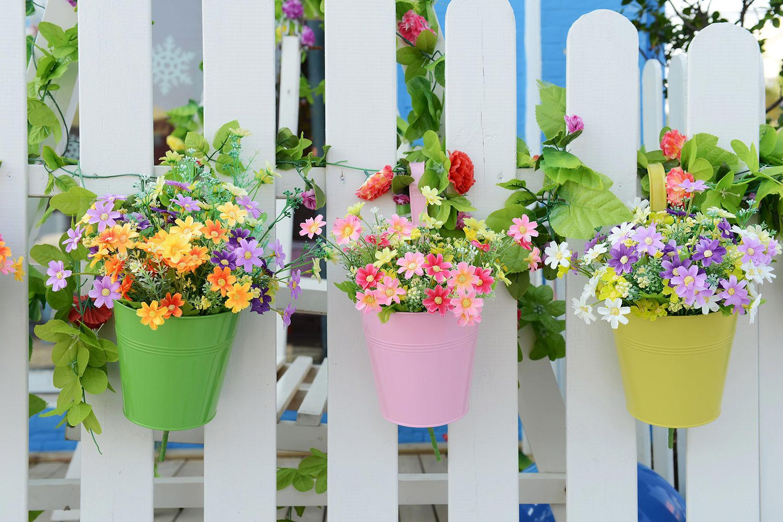 Кашпо из искусственных цветов своими руками